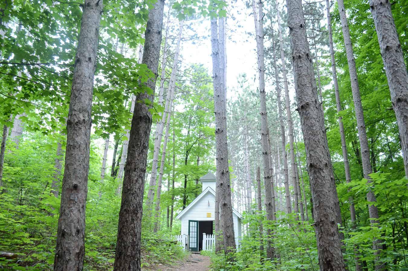 things to do in Woodstock VT | hidden chapel in woods