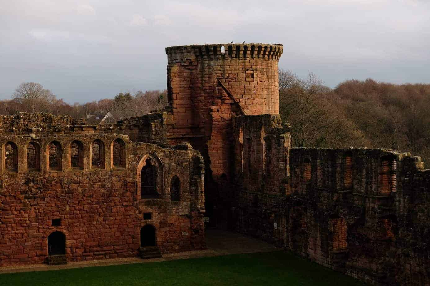 best castles in Scotland - Bothwell Castle
