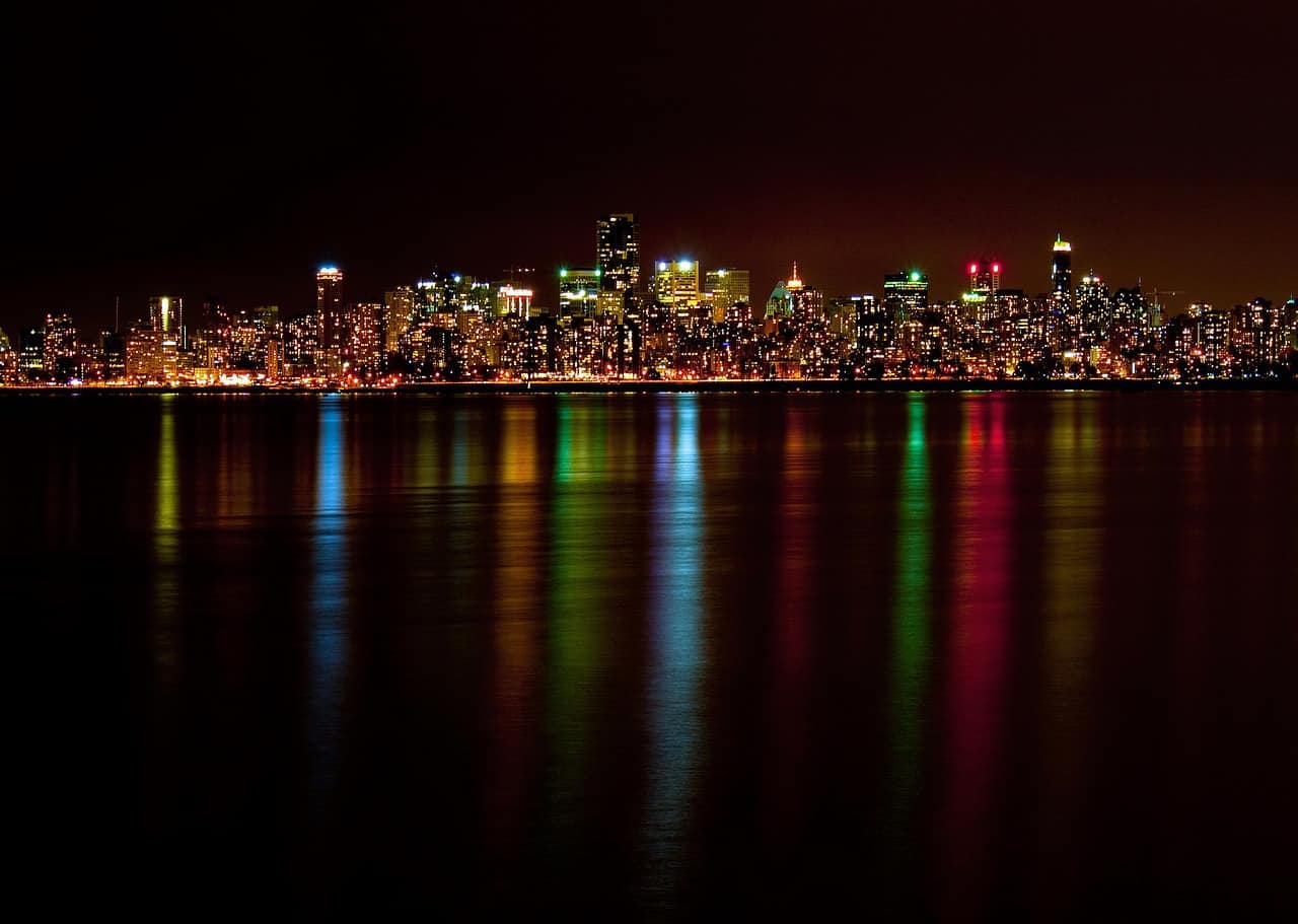 romantic things to do in vancouver - city skyline at night vancouver