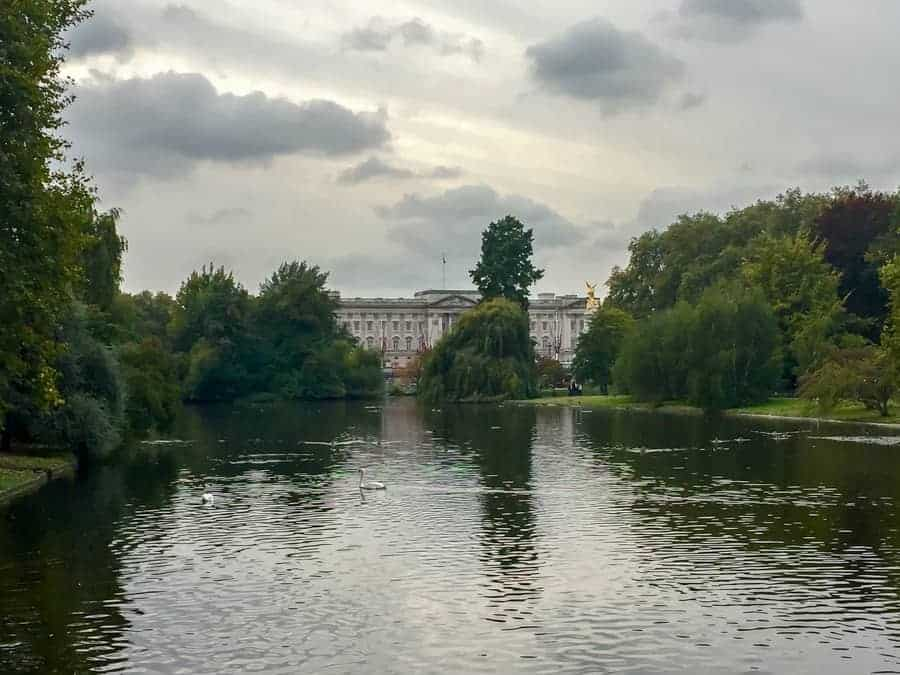 romantic london activities - St. James Park