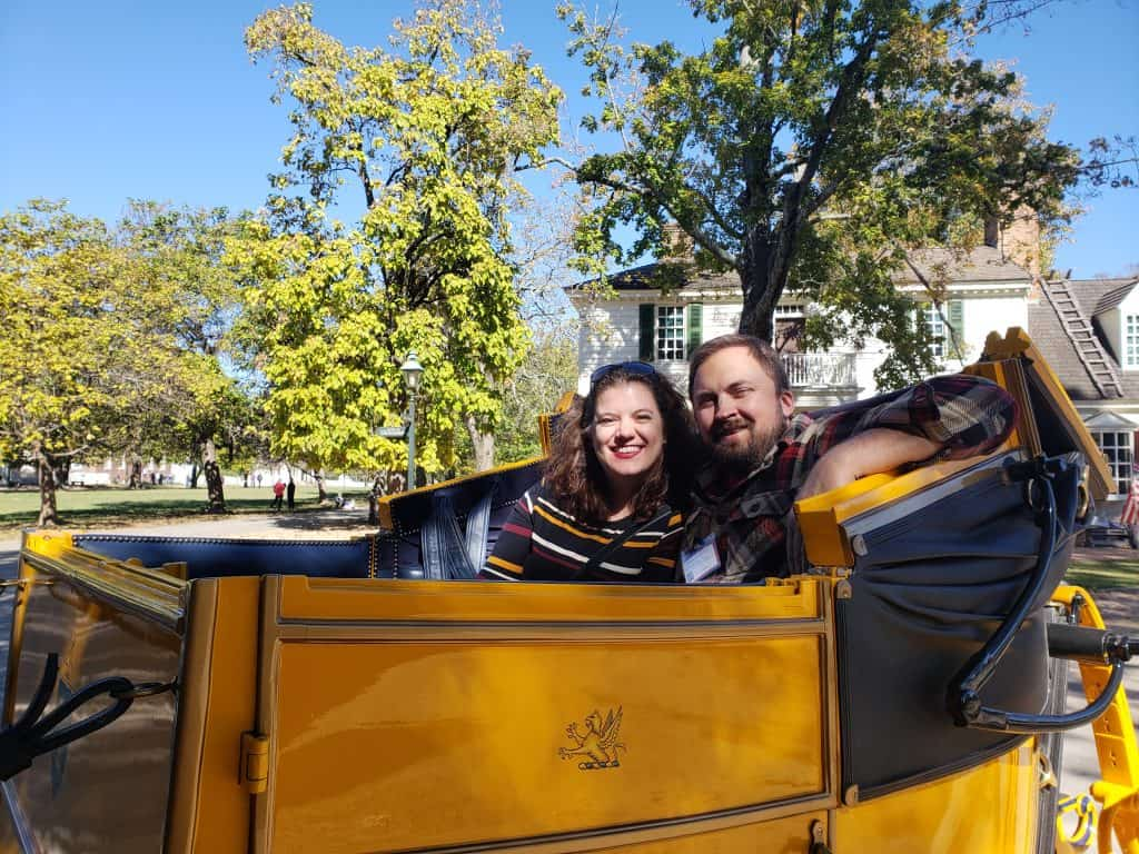 romantic getaway williamsburg va - carriage ride for couple