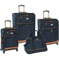 A multipiece luggage set