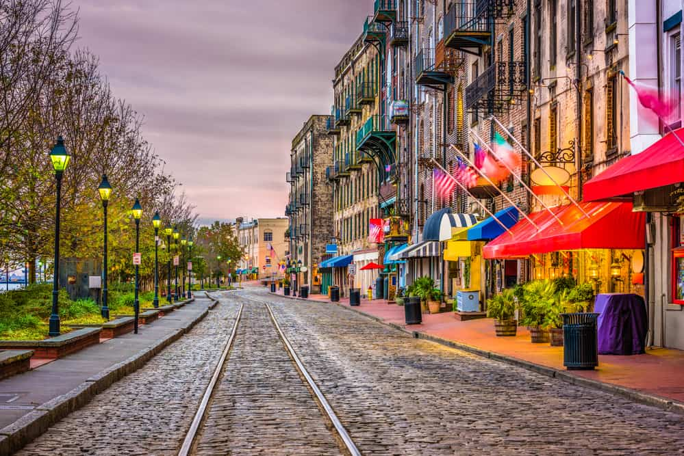 13 Incredibly Romantic Things to Do in Savannah for Couples 9