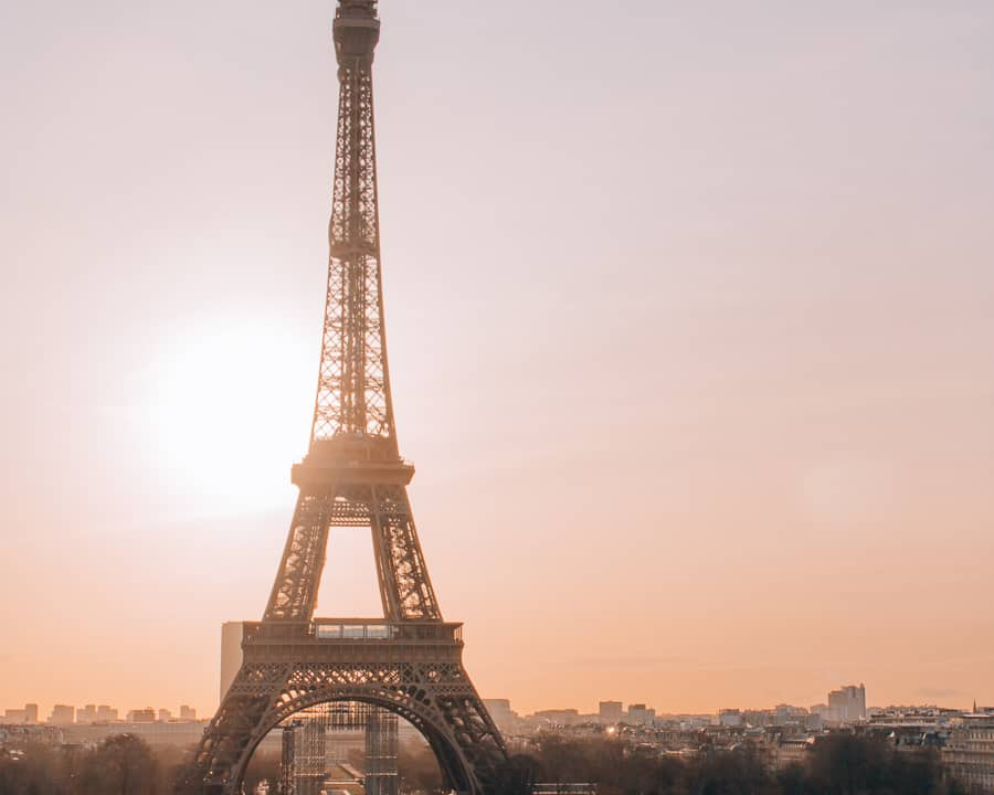 romantic things to do in paris - the eiffel tower at sunset
